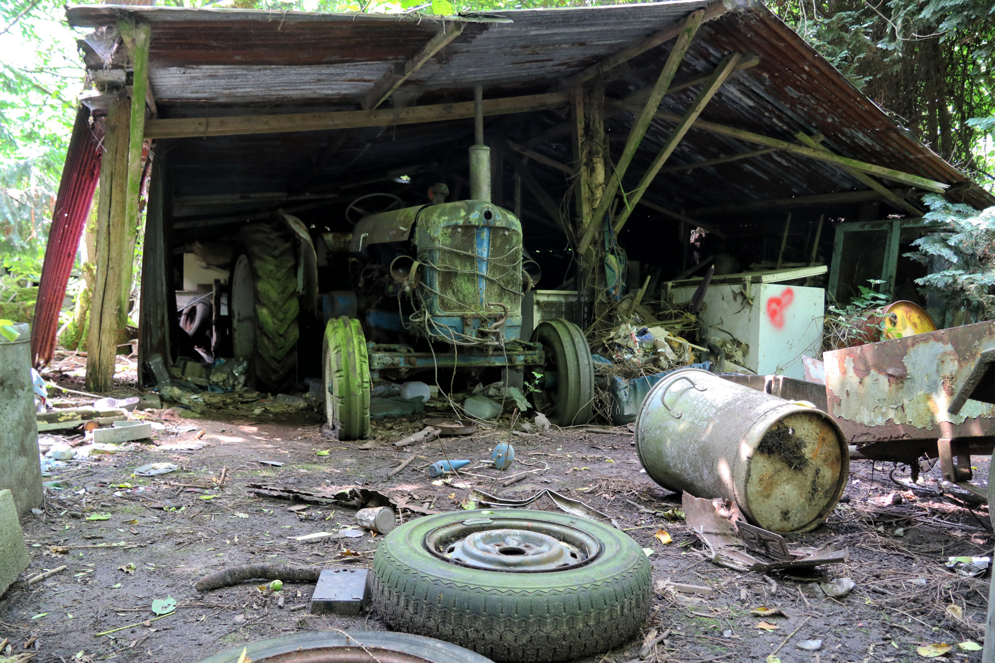 Urbex: Lost in the woods