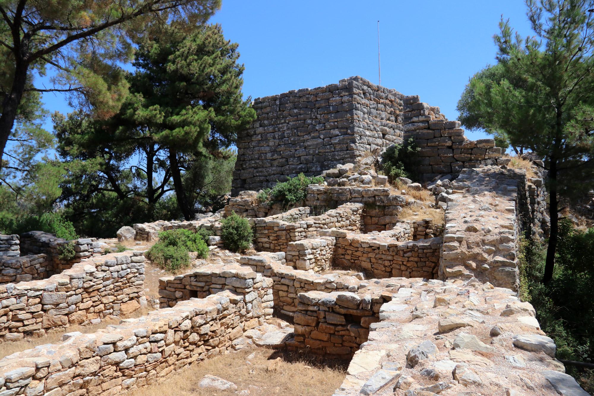 Wandelen door de antieke stad Pedasa - Turkije