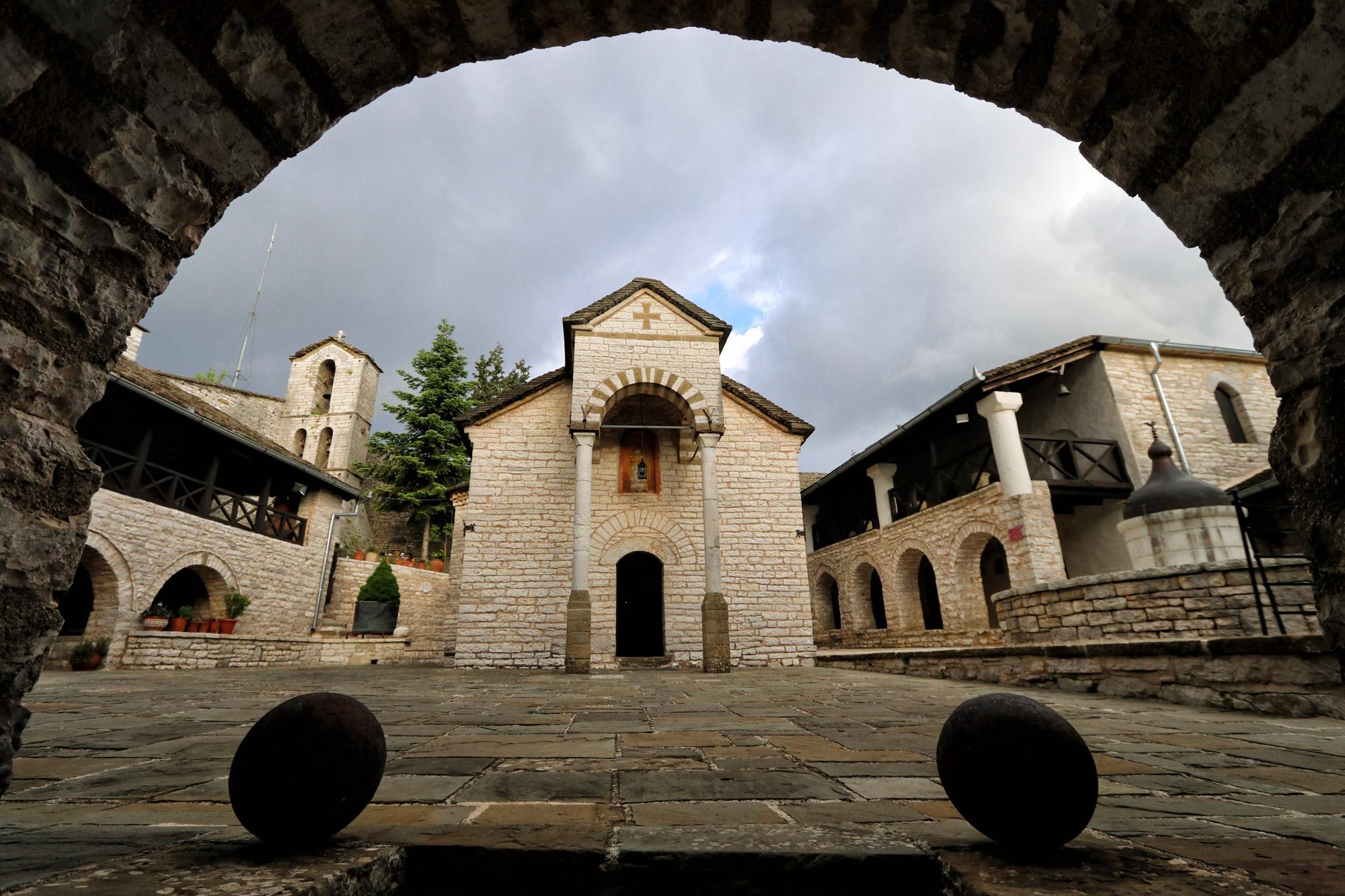 Tzoumerka - Tsouka klooster