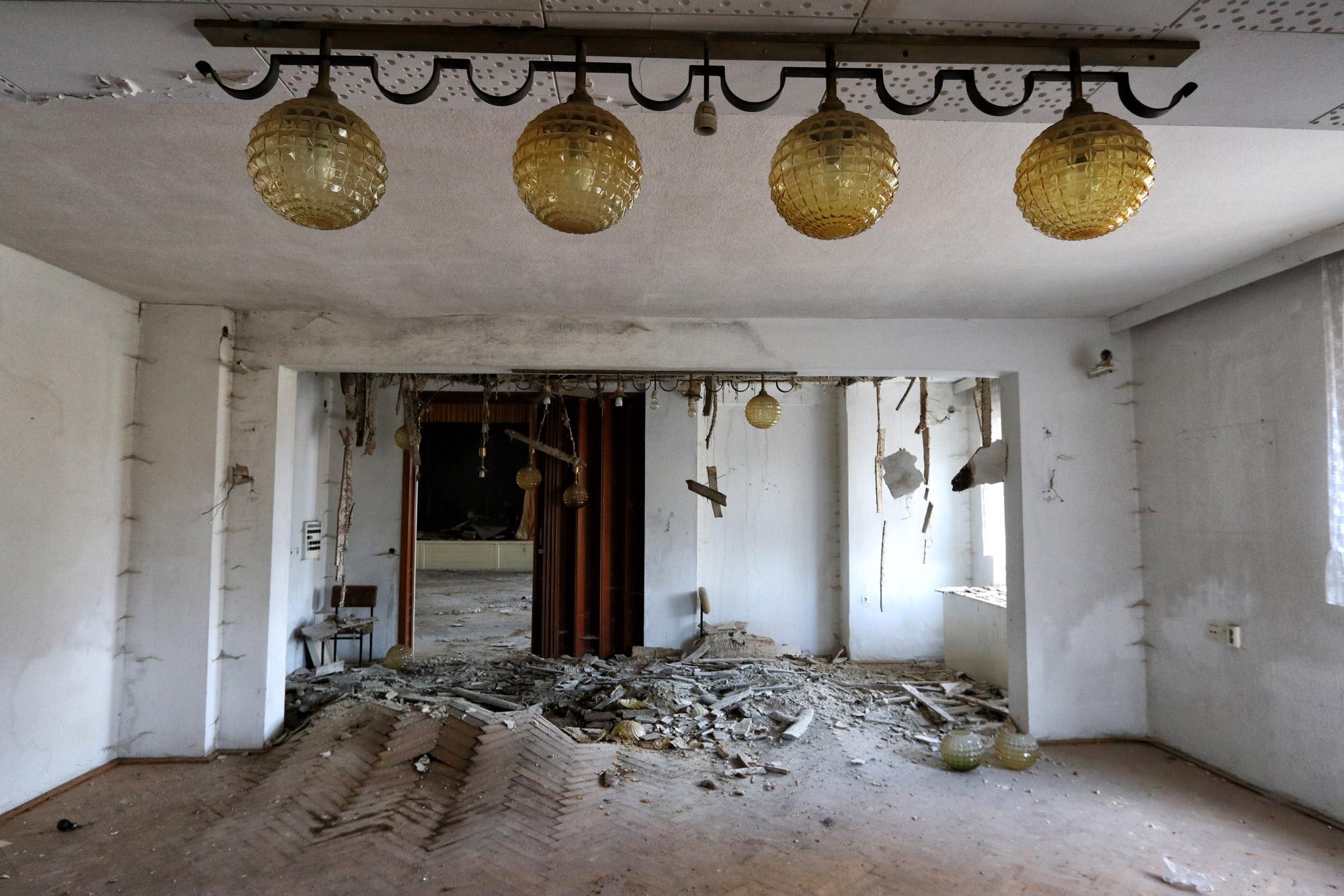 Urbex: verlaten hotel in Oost-Duitsland