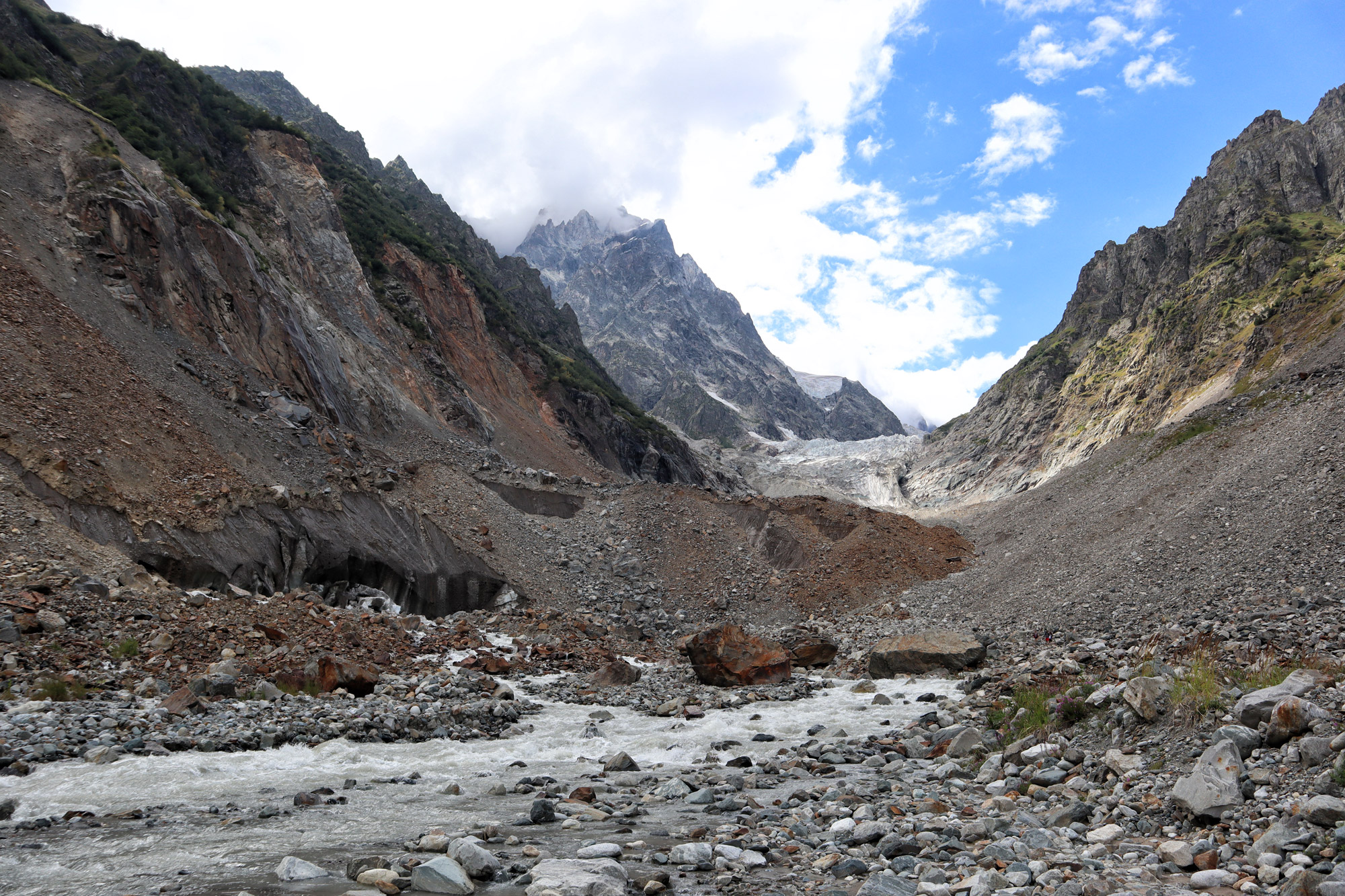 Georgië reisverslag - Wandelen naar de Chalaadi Gletsjer