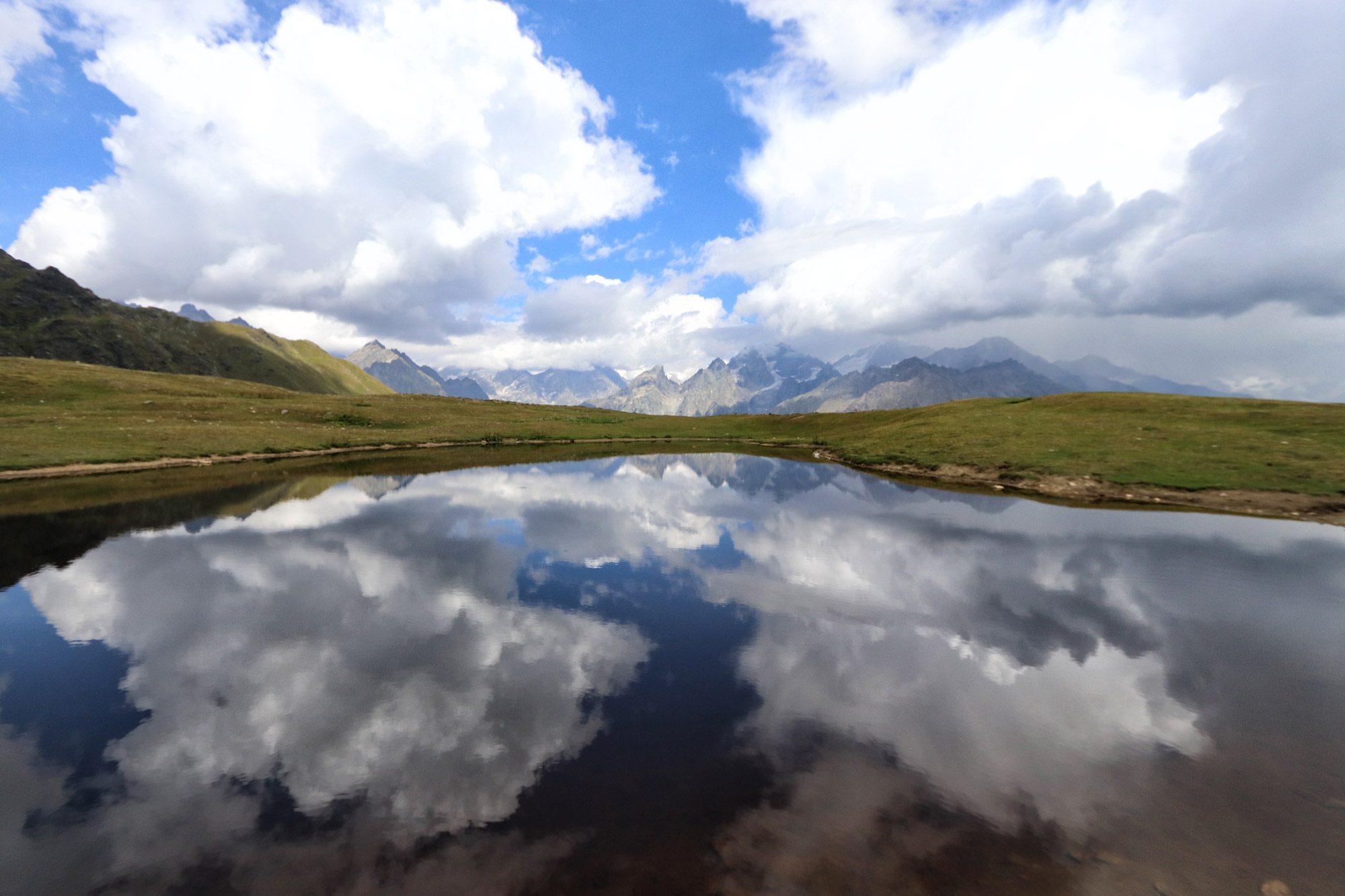 Georgië reisverslag - Wandelen naar de Koruldi Lakes