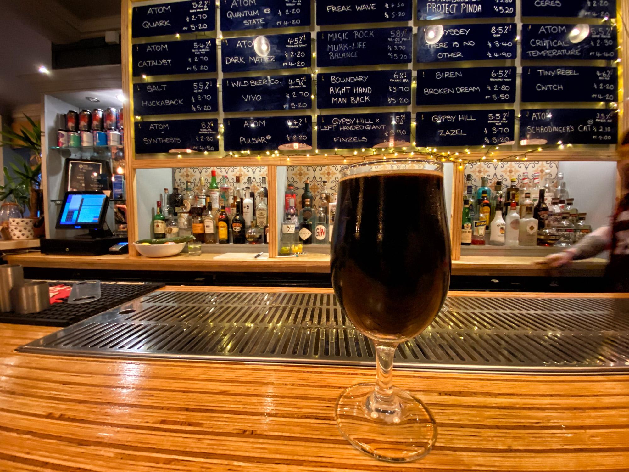 De leukste biercafés van Hull - Atom Brewing Co.