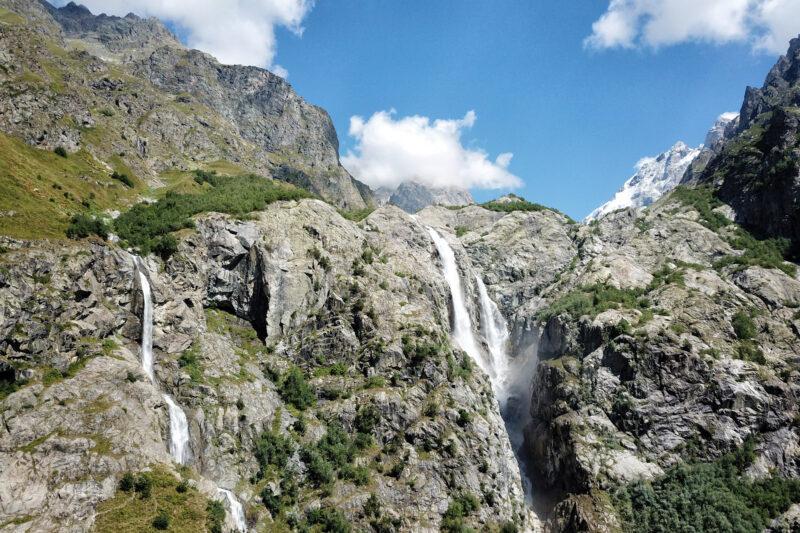 Wandeling naar de Shdugra waterval - Georgië