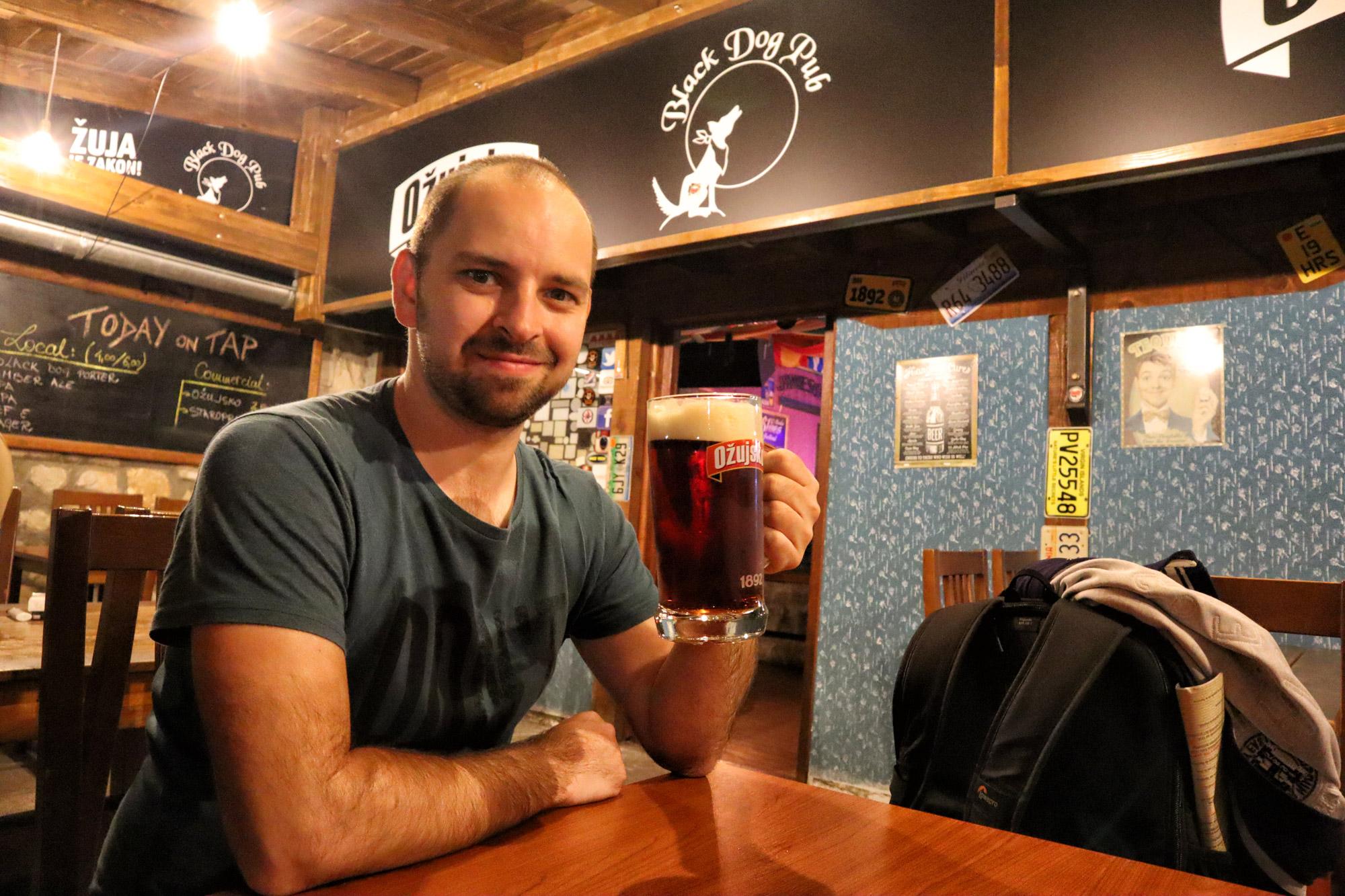 Doen in Mostar - Black Dog Pub