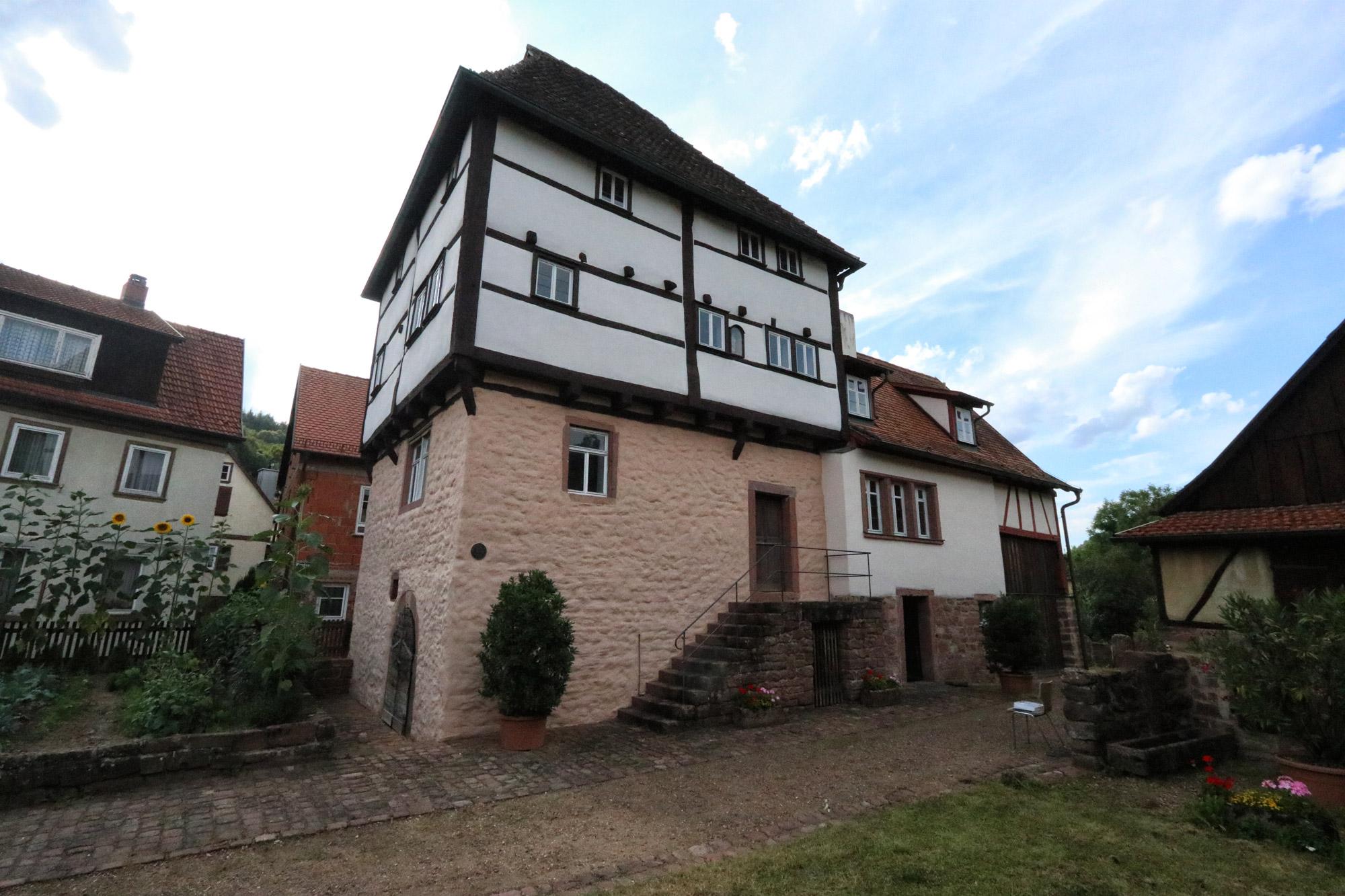 Churfranken - Templerhaus in Amorbach